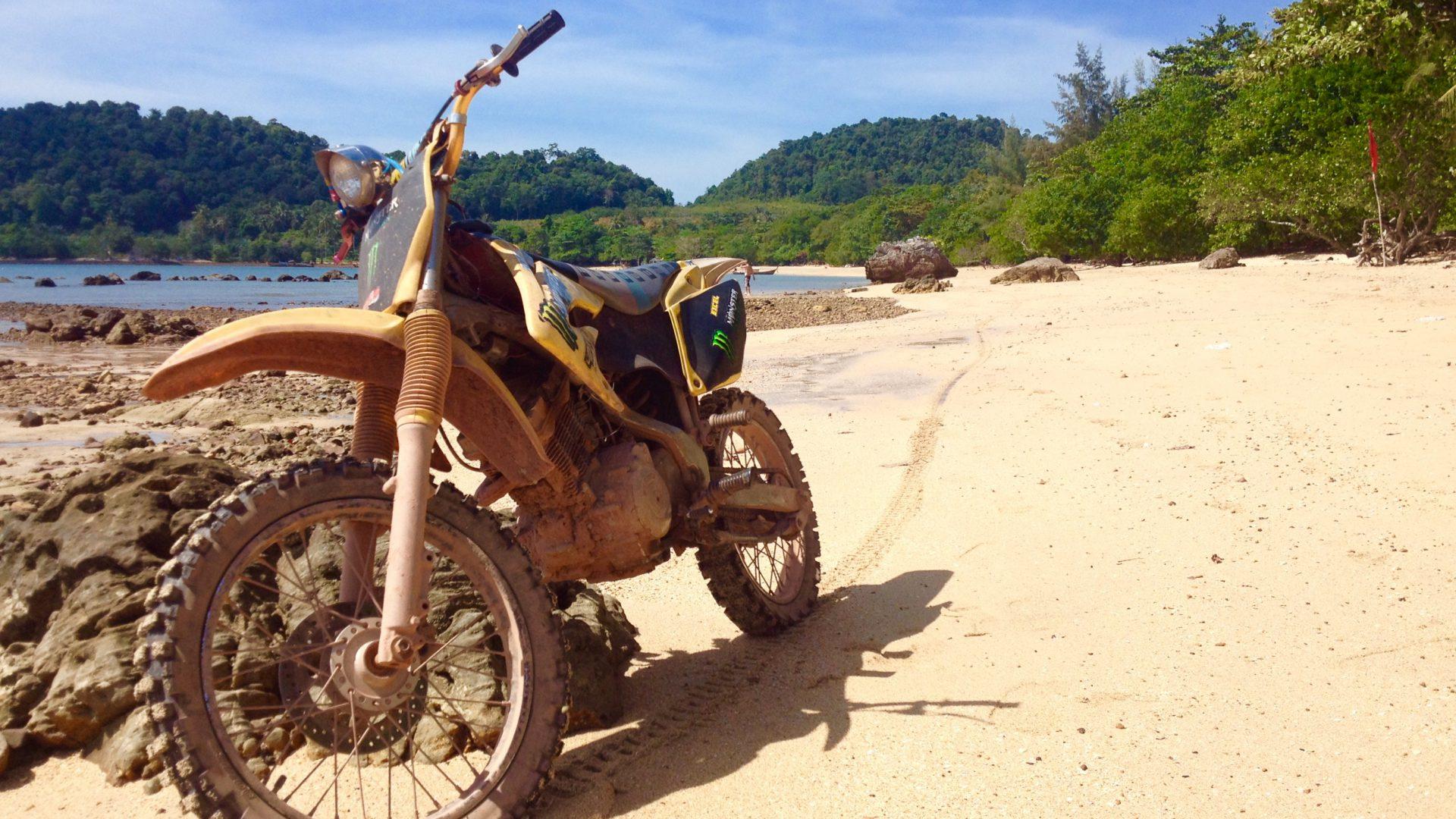 DESETI BRAT MOTORIST / FILIPINI